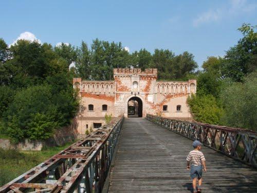 Brama lubelska - twierdzy Dęblin