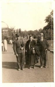 Niedzielski Aleksander z rodzicami w Grudziądzu